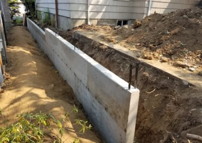 STANDARD FINISH RETAINING WALL